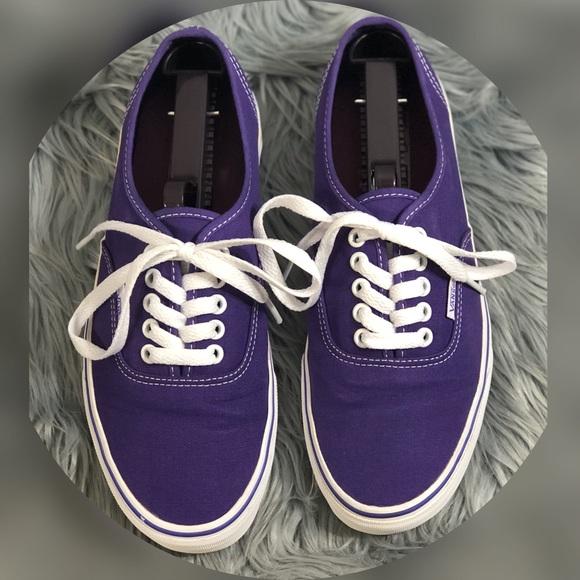 23846ceb236cc1 Vans Authentic Sneakers Purple Iris White size 8. M 5ae3e4d0a6e3ea16b820cbd3